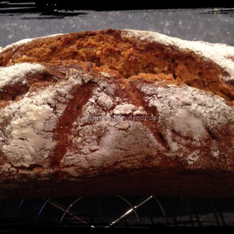 Möhren-Dinkel-Brot