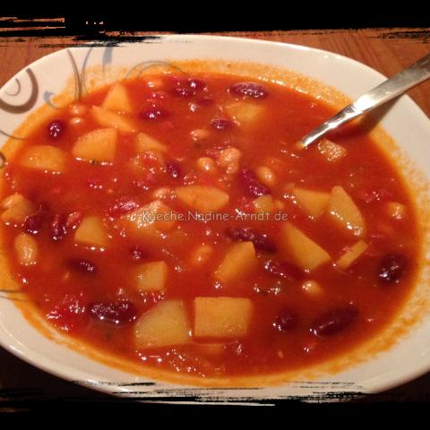 Amerikanische Bohnensuppe mit Senf und Honig